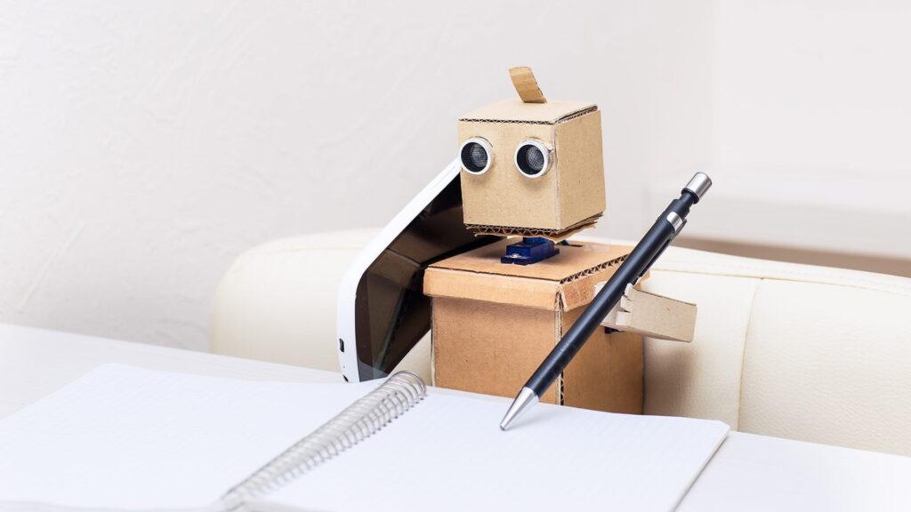 Hello-Robot-–-sprechen-wir-bald-nur-noch-mit-Bots